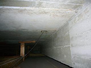 電話線の天井裏引き込み口