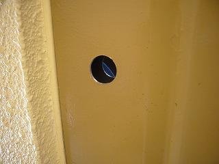 玄関ドアの穴あけ完了