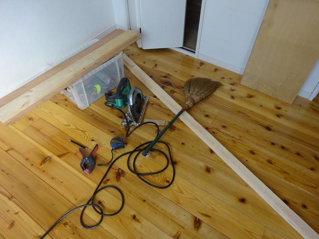石膏ボードで壁穴塞ぎ工事