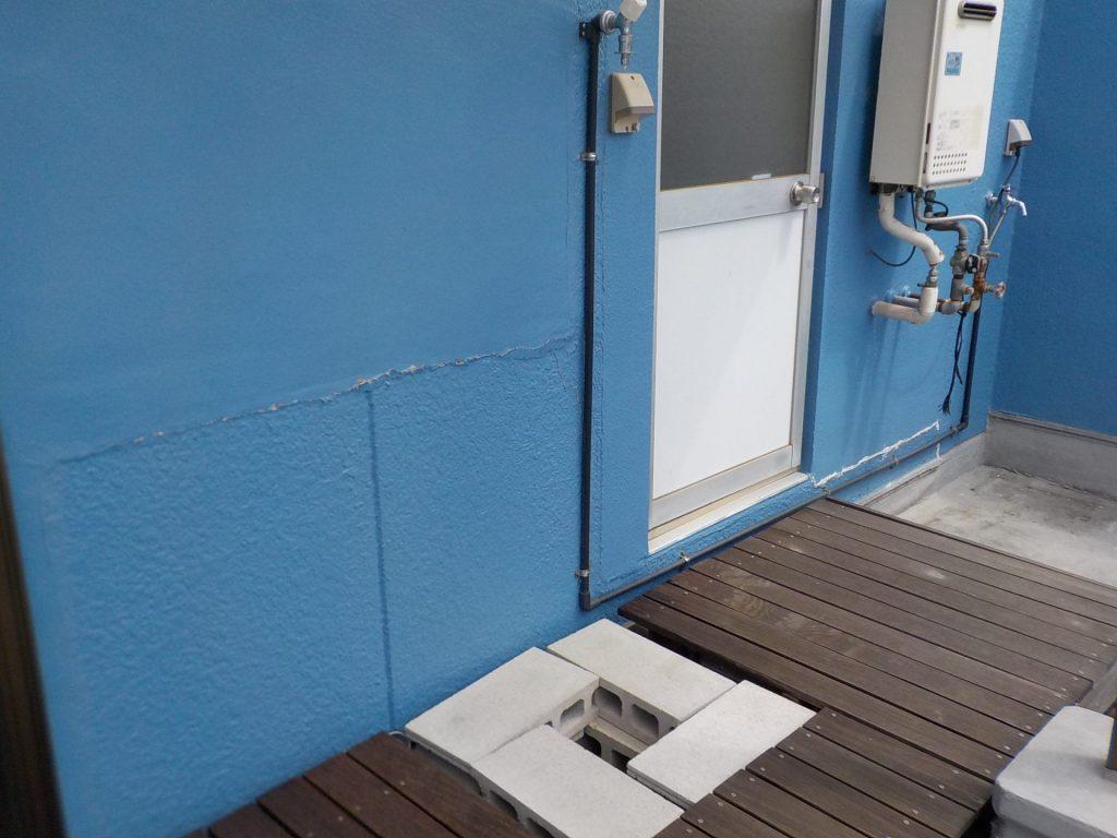 塚本オームハイツ403号ベランダの洗濯機置き場