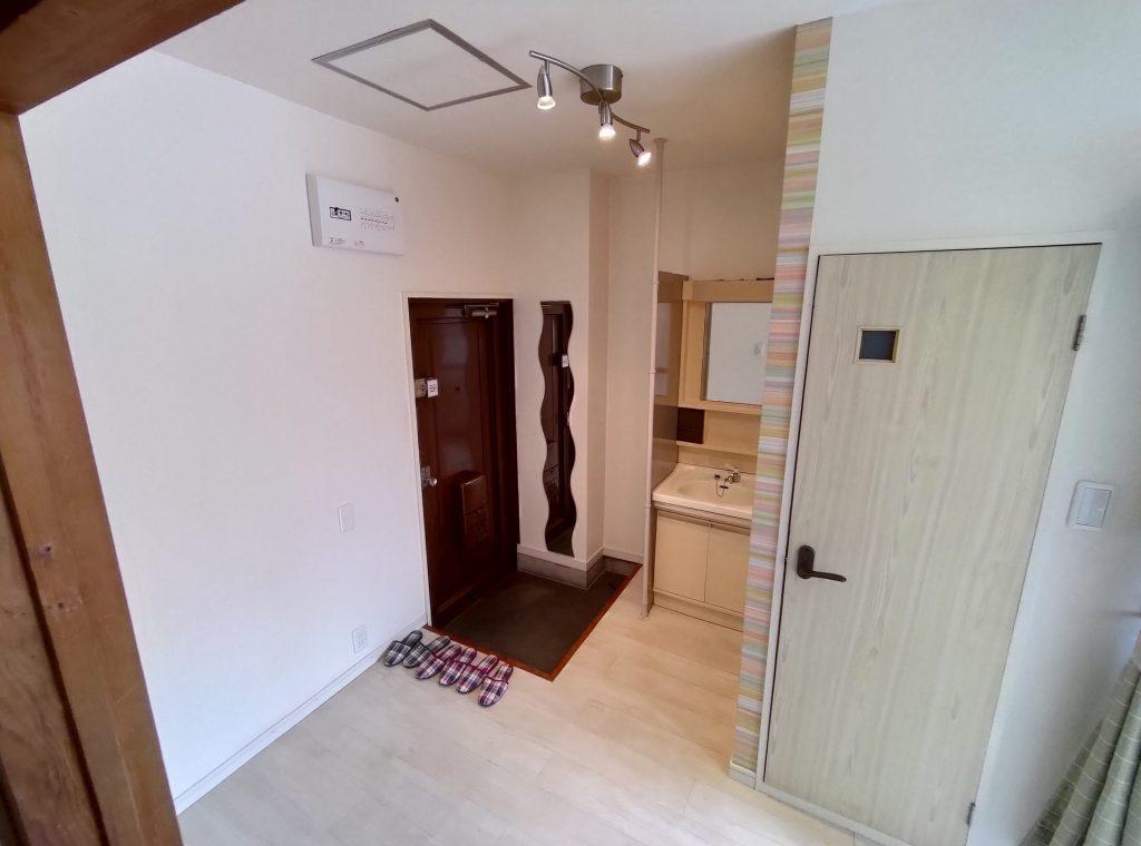 塚本オームハイツ403号の玄関