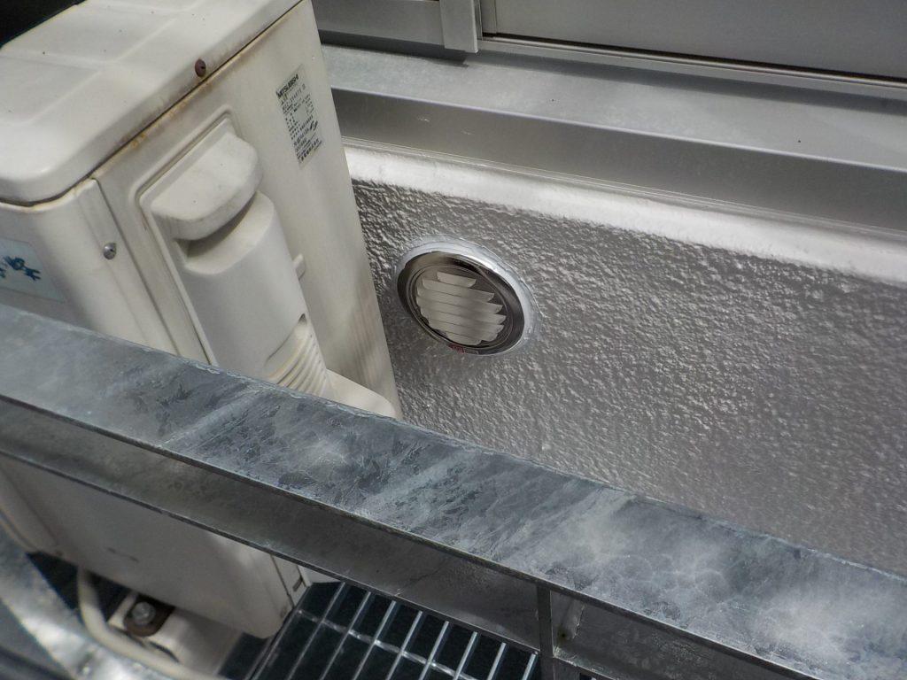 換気ガラリ交換でエアコンとの当たり解消