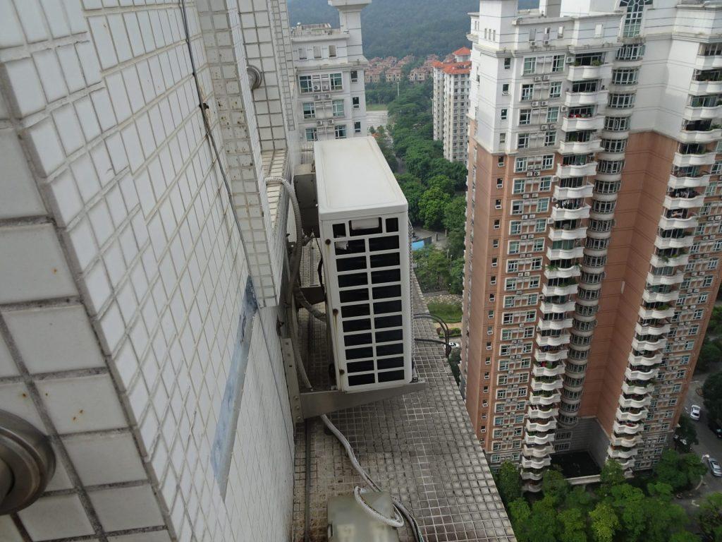 中国でのエアコン壁掛け工事